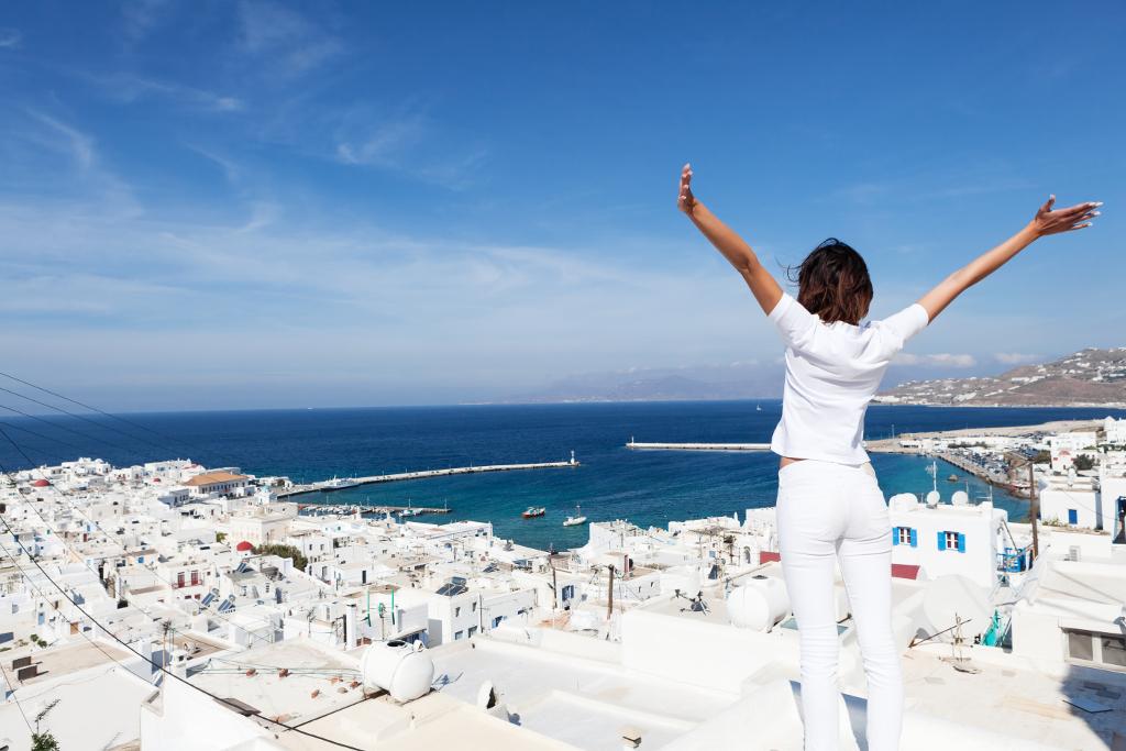 Vive la isla de mykonos la isla m s vibrante del mar egeo for Oficina de turismo de grecia